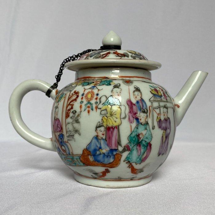 Teapot - Porcelain - China - Qianlong (1736-1795)
