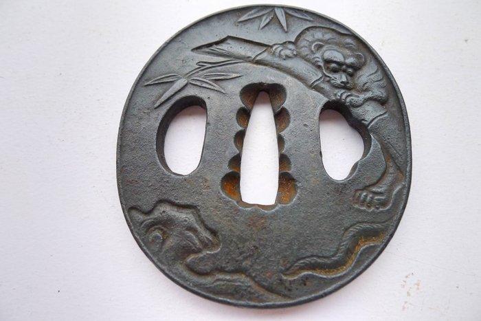 Tsuba - Cast iron - Japan - Meiji period (1868-1912)