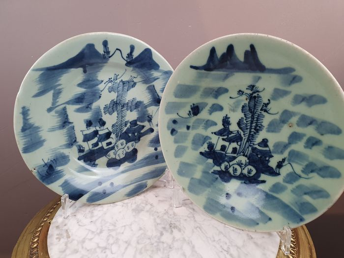 Plates (2) - Porcelain - Landscape (blue-white) - China - 19th century