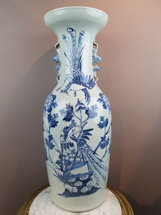 Vase (1) - Porcelain - Blue-white Celadon (with birds and flowers) - China - 19th century