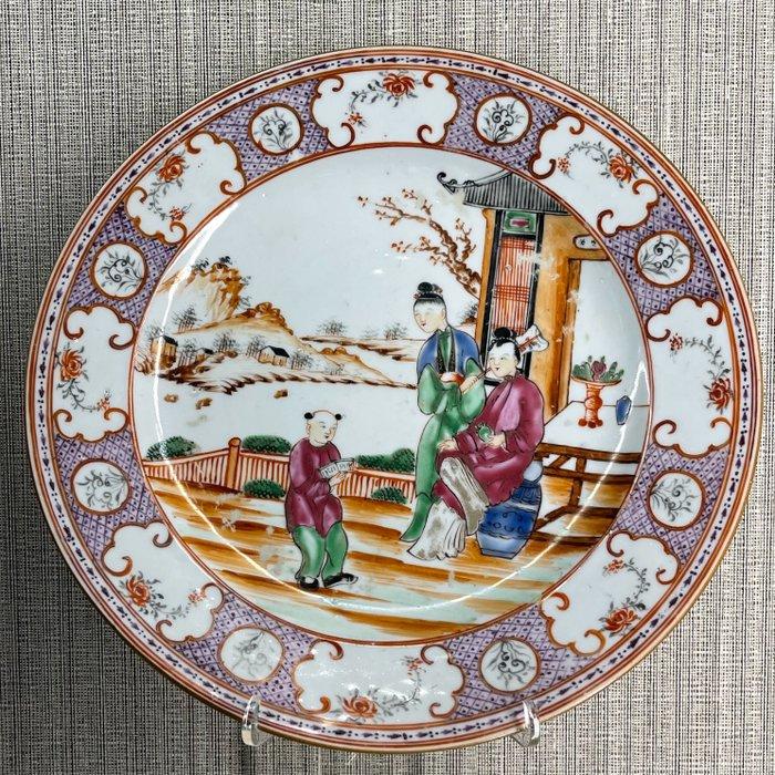 Plate (1) - Famille rose - Porcelain - China - Qianlong (1736-1795)