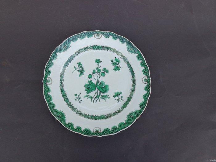 Dish (1) - Green-ground - Porcelain - Flowers - China - 18th century