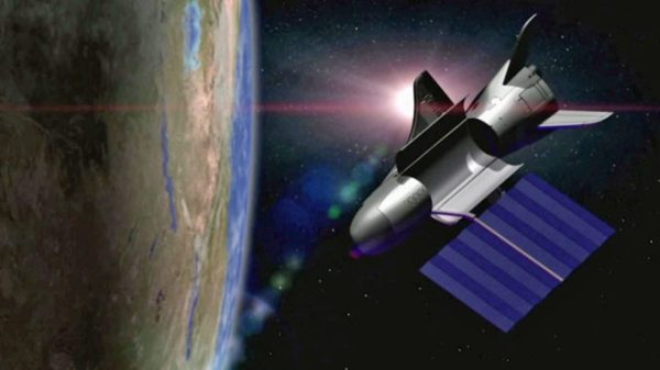 X37B spaceplane returns to Earth and makes autopilot
