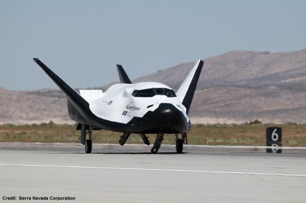 Sierra Nevada's Dream Chaser on the move in California ...