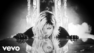 Double Dutchess: Seeing Double Extrait (5) VO