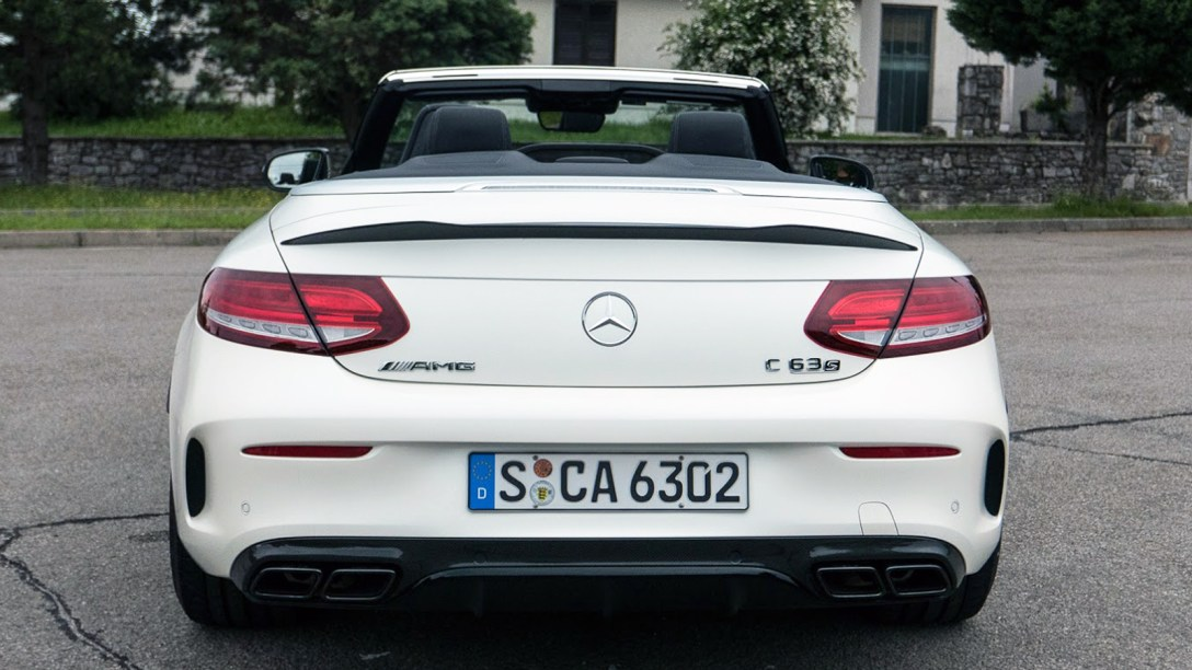 https://i1.wp.com/assets.coolhunting.com/coolhunting/2016/06/13/mercedes_benz_2017_c_class_cabriolet_01.jpg?w=1088