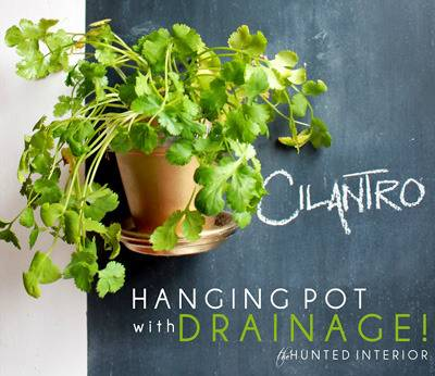HANGING POTS WITH DRAINAGE