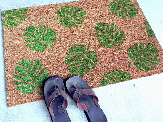10 Colorful DIY Doormats To Get You In The Summer Mood