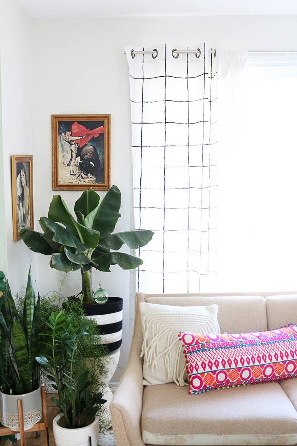 Curtain lengths: How long should my curtains be?