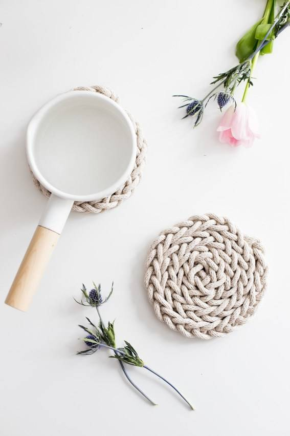 10 Beautiful Last Minute DIY Gifts for Mom