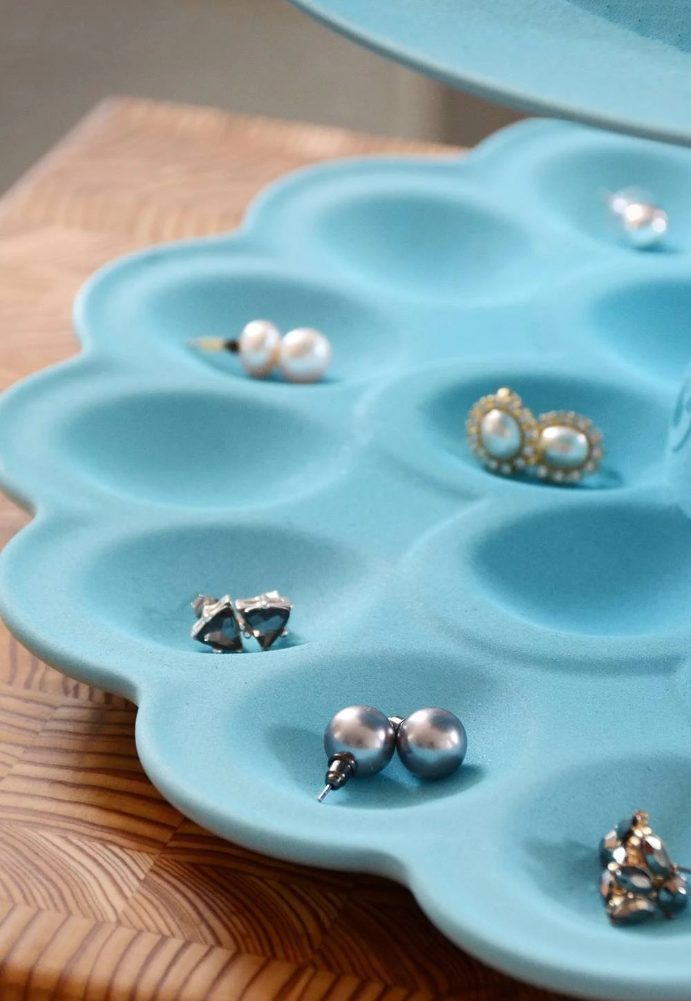 How-To: Easy DIY 3-Tiered Jewelry Organizer