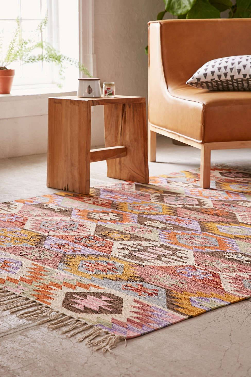 Southwestern Rugs Bring Character And Color Area Rugs With Style Curbly