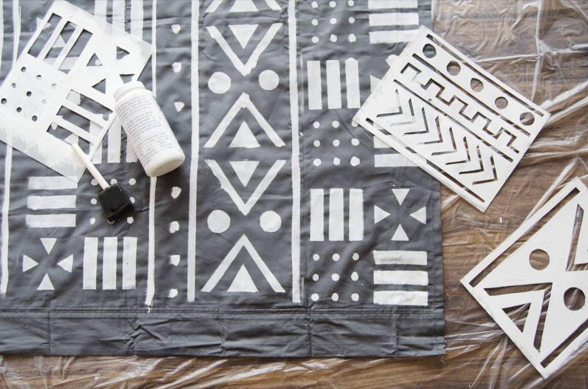 Love the look of mud cloth textiles? Try these free downloadable stencils to recreate the look in your home!