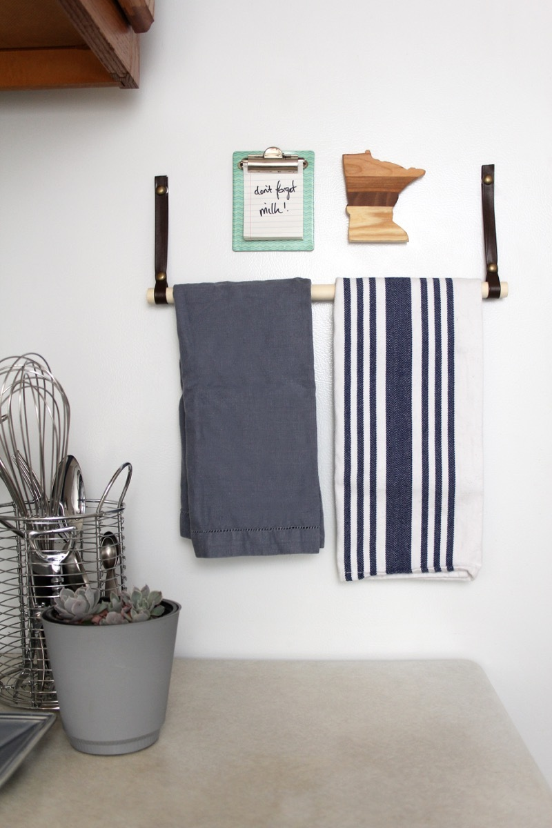 Make this minimal magnetic towel bar