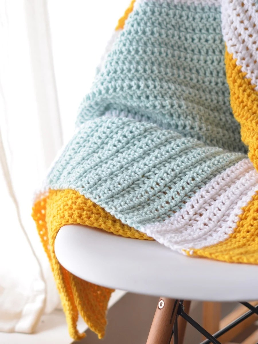 Make This: Crocheted Gender-Neutral Baby Blanket
