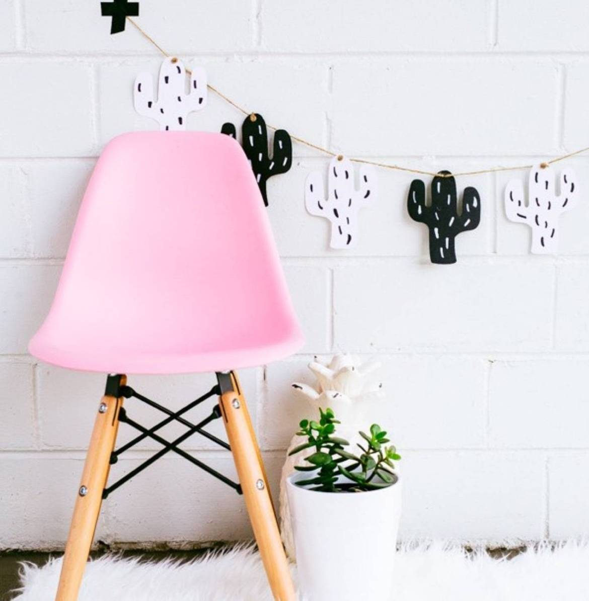 Kids garland idea from Hipster Mum | 75 DIY Kids Decor Ideas