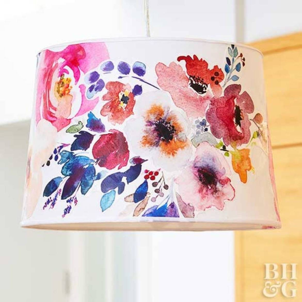 99 ways to use fabric to decorate your home   Decoupaged lampshade