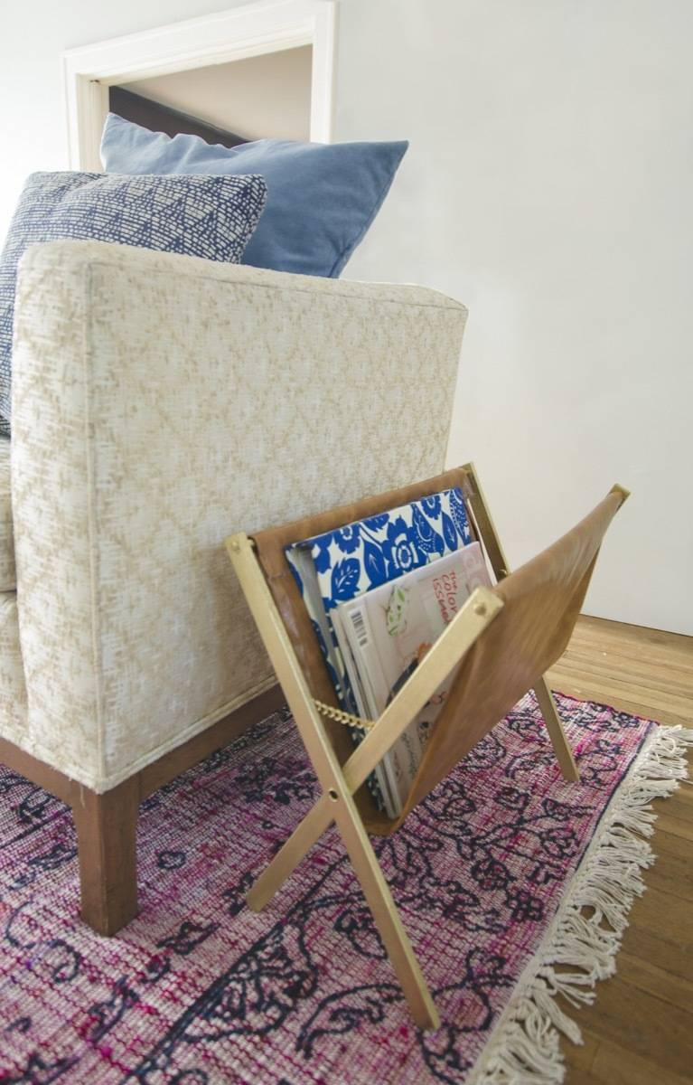 99 ways to use fabric to decorate your home   DIY magazine rack