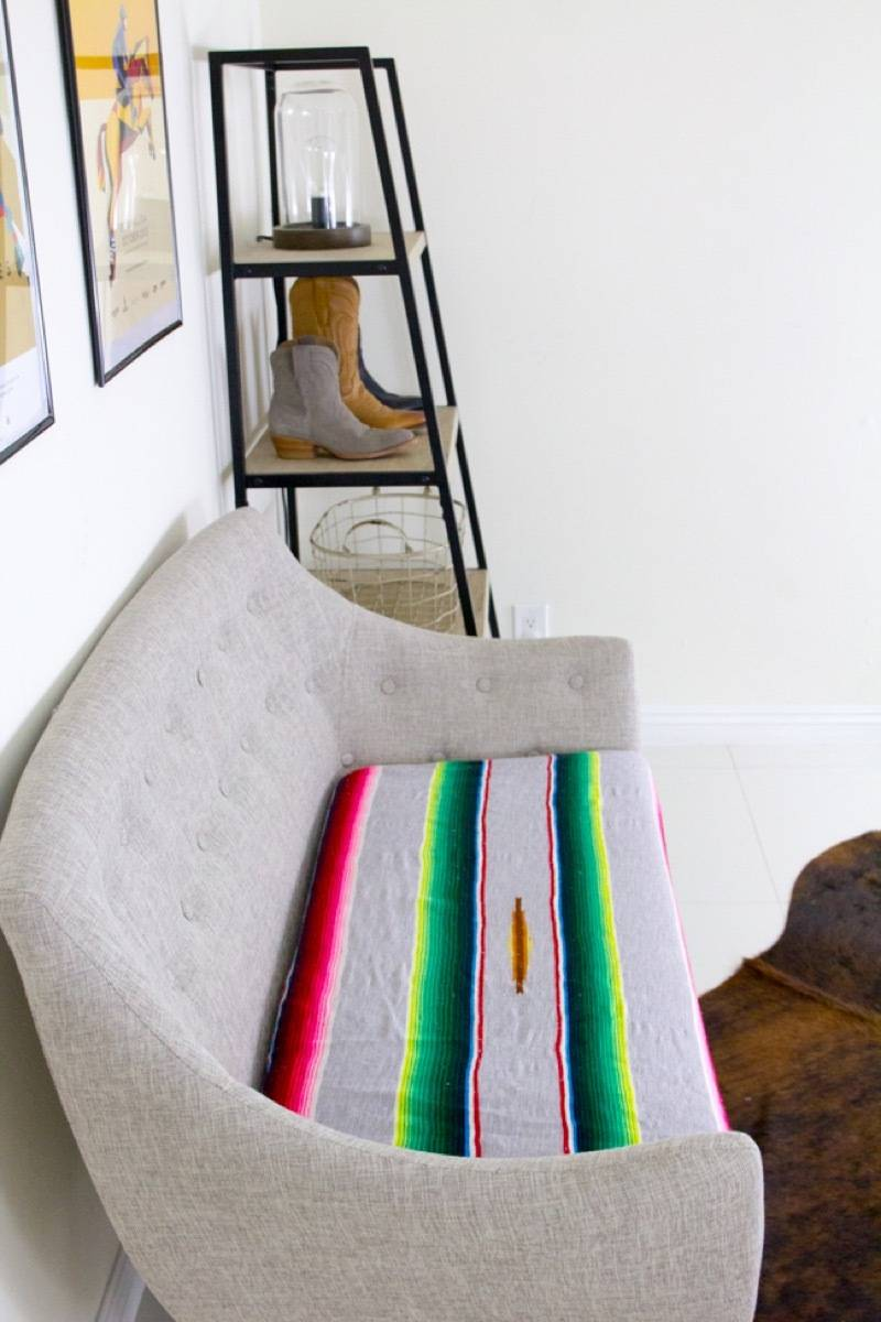 99 ways to use fabric to decorate your home   Cover cushions in blankets