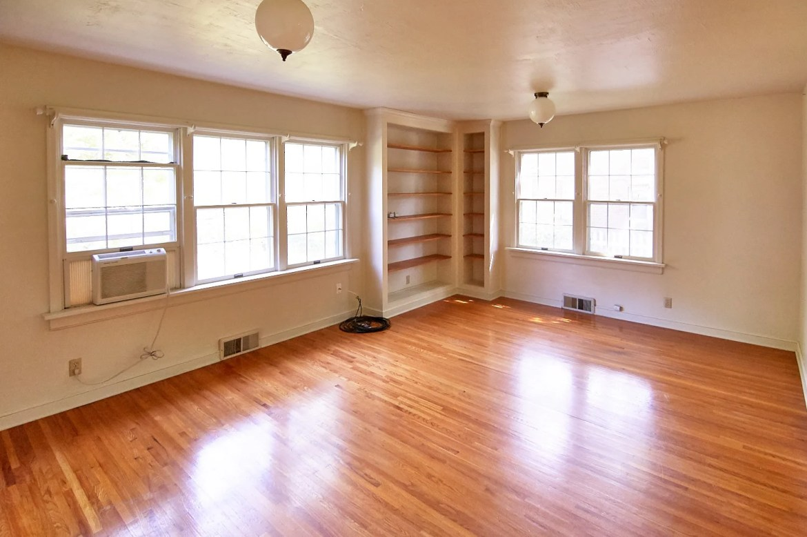 Curbly House 2017 - Living room, before
