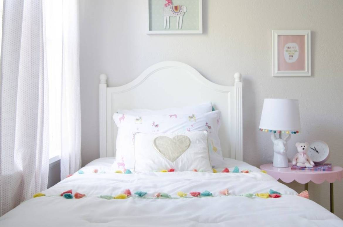 Girl's room - bed - Curbly House 2017