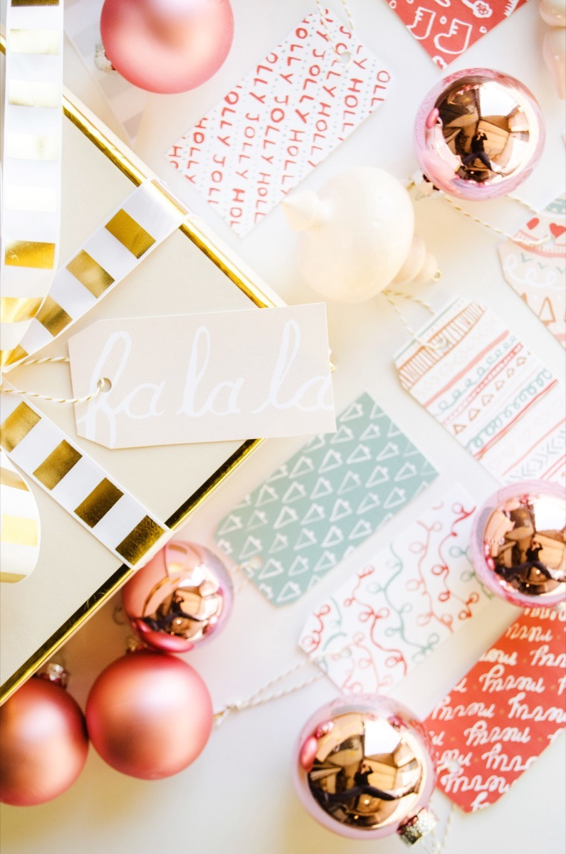 Free printable gift tags for your holiday wrapping needs!