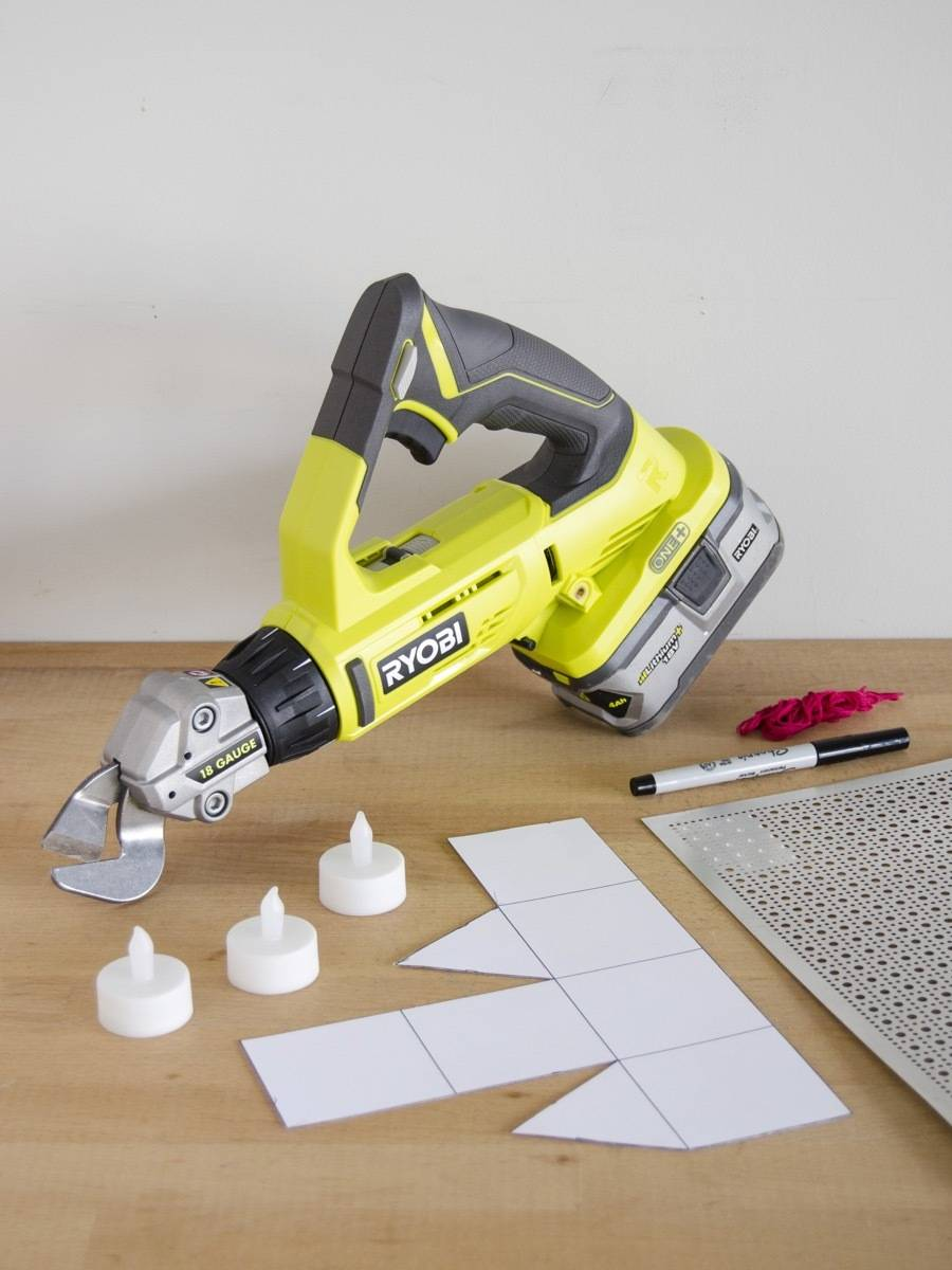 We're using the Ryobi One+ Offset Shears to cut our aluminum for these DIY holiday luminaries