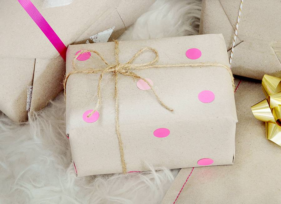 5 Creative Ways To Wrap Gifts With Kraft Paper
