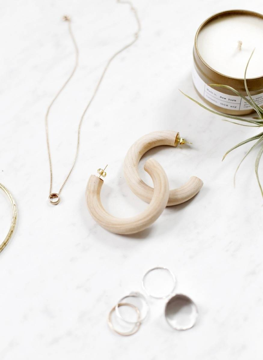 DIY Mother's Day Gift Ideas: Wooden earrings