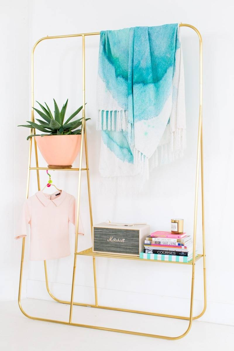 DIY Mother's Day Gift Ideas: Watercolor throw blanket