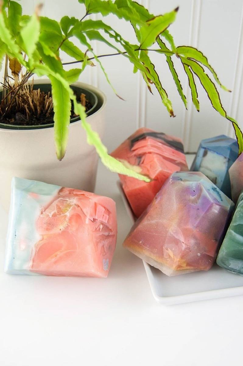 DIY Mother's Day Gift Ideas: Soap rocks