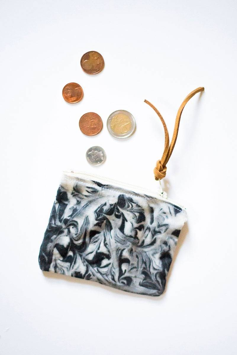 DIY Mother's Day Gift Ideas: Marbled coin purse