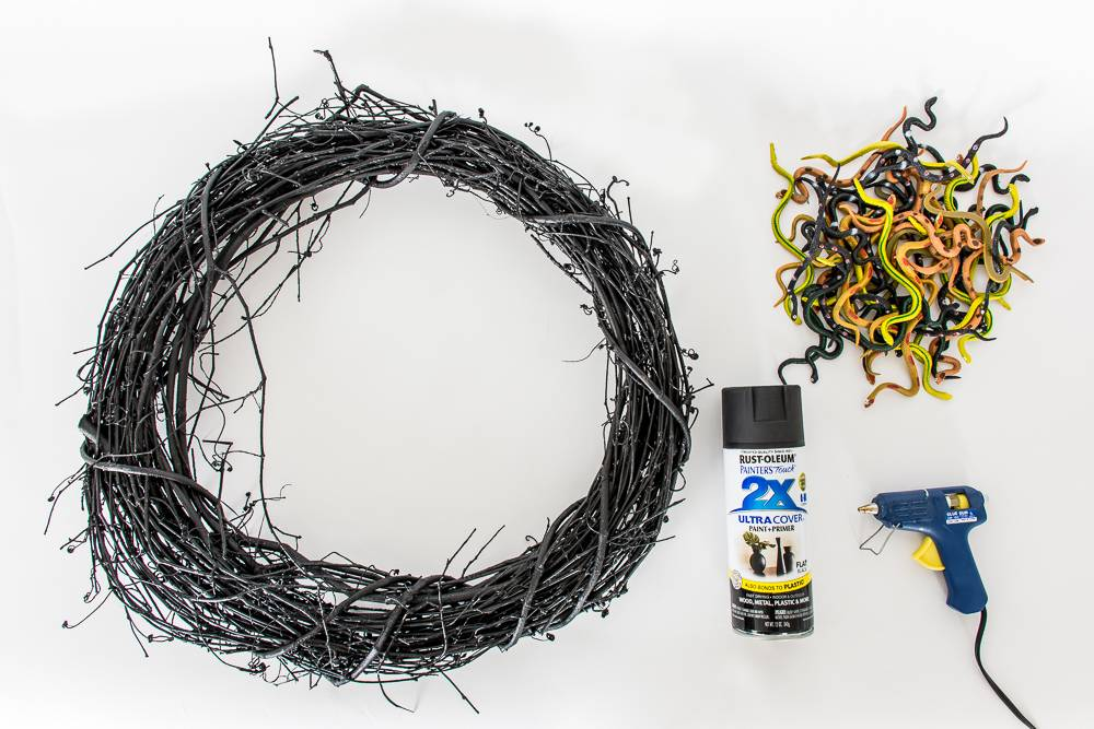 Materials needed for the Halloween wreath