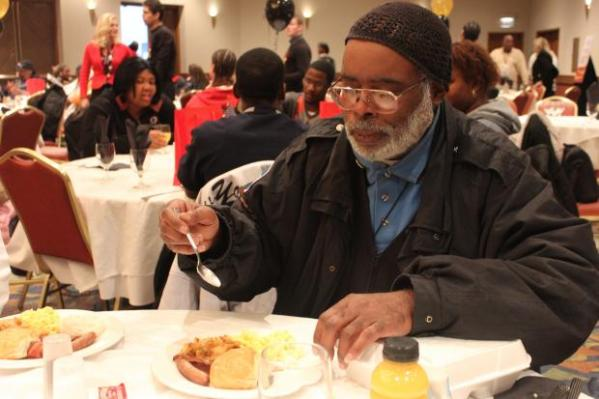 Hundreds Enjoy Free Meal Served by Black McDonald's ...