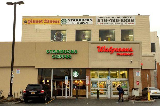 Starbucks opened its new location at 132-40 Metropolitan Avenue, near Jamaica Hospital.