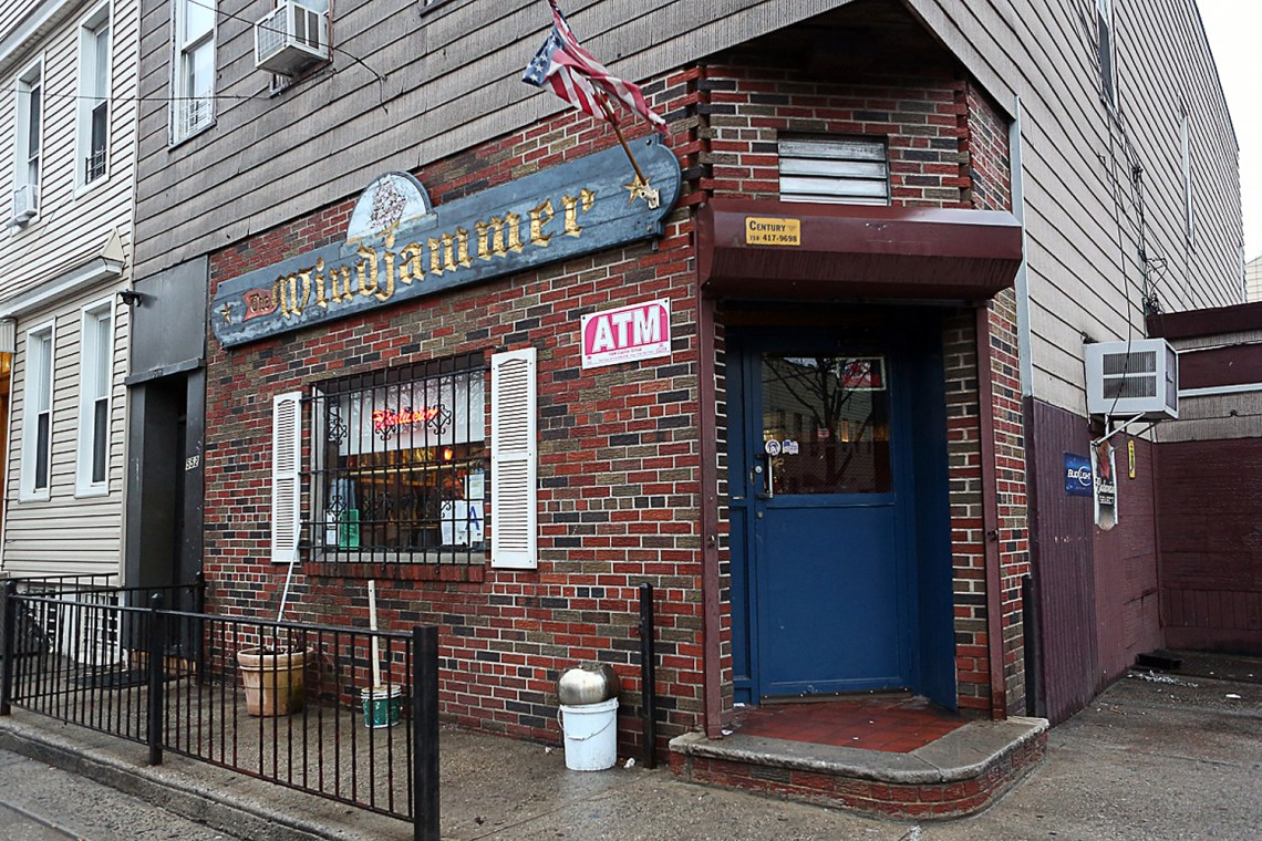 Animal House Back Bar - windjammer-bar--1457999559_Top Animal House Back Bar - windjammer-bar--1457999559  Graphic_34191.jpg