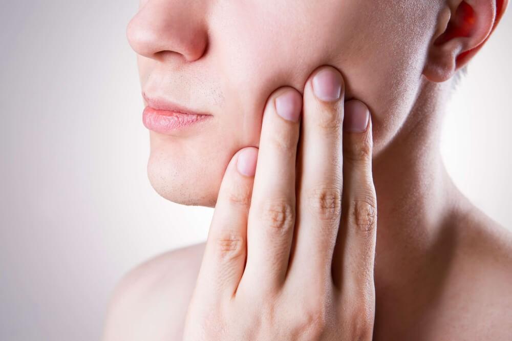 6 remedios caseros para aliviar el dolor de encías