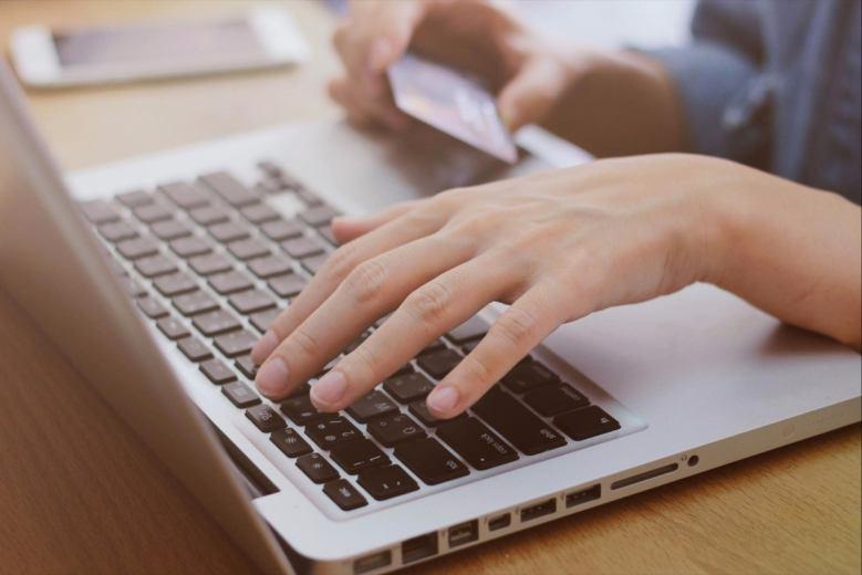 Fare soldi online: 5 principali opportunità di vendita online per qualsiasi imprenditore
