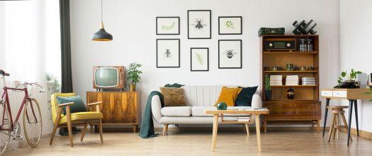 Blue Moon - Living Room