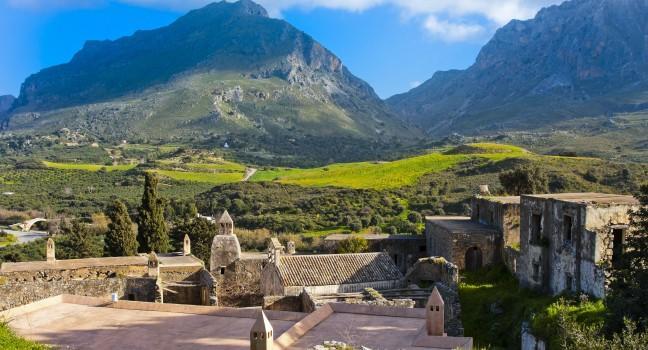 https://i1.wp.com/assets.fodors.com/destinations/707812/kato-moni-preveli-monastery-crete-greece_main.jpg