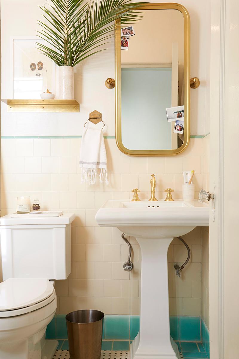 Bathroom Mirror Inspiration - 18 Beautiful Bathroom Mirror ...