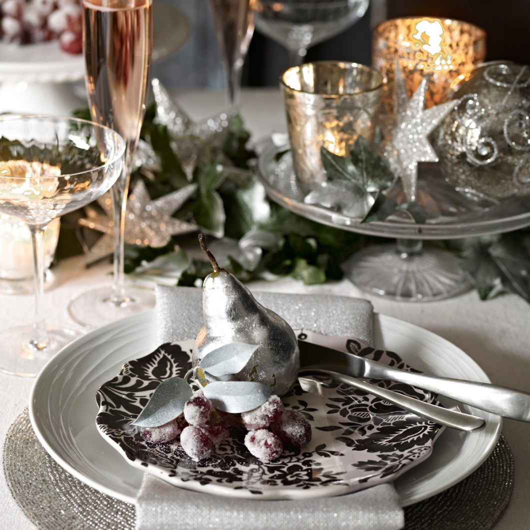 Good Housekeeping Christmas Table Decorations