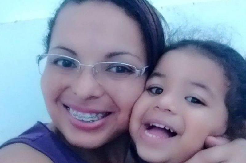JOSIMARE (kiri) bersama anaknya, Brenda. FOTO Agensi