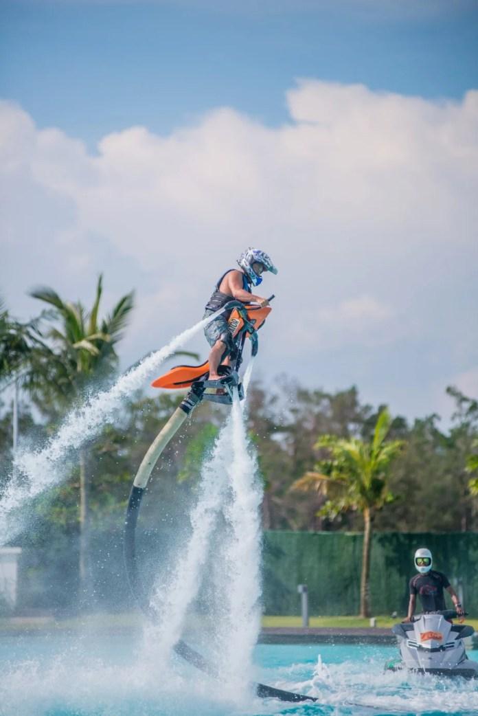PELBAGAI aktiviti menarik terutama rekreasi air boleh dicuba pengunjung. FOTO Ihsan Treasure Bay Bintan