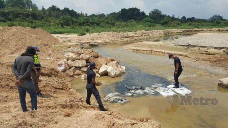 LUAS mengesan pencemaran bau sehingga 10 ton di Sungai Kundang ketika pemantauan secara 24 jam dalam Ops Statik Sungai Gong, Rawang pada jam 10.45 pagi,  FOTO ihsan LUAS