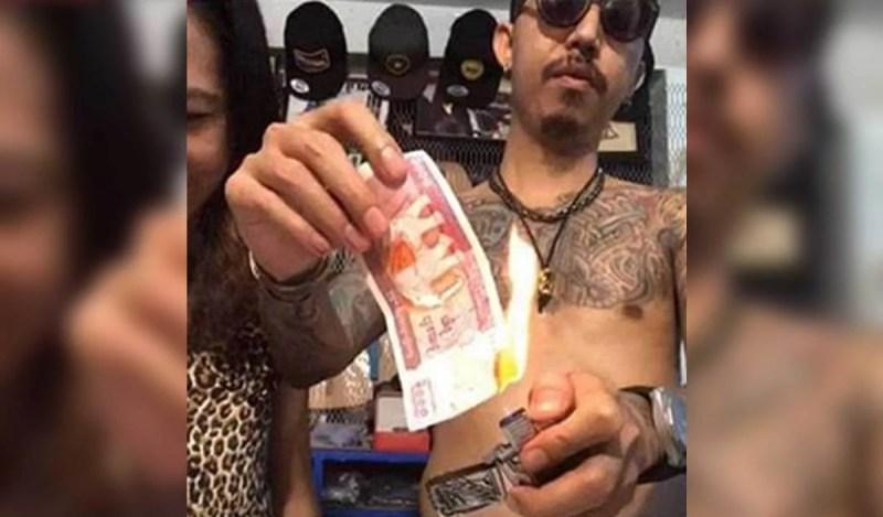 Suami isteri ditahan kerana membakar wang kertas. FOTO agensi