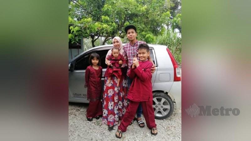 MOHAMAD Amirul Adli bersama isteri, Nor Laila dan tiga anak mereka. FOTO ihsan pembaca