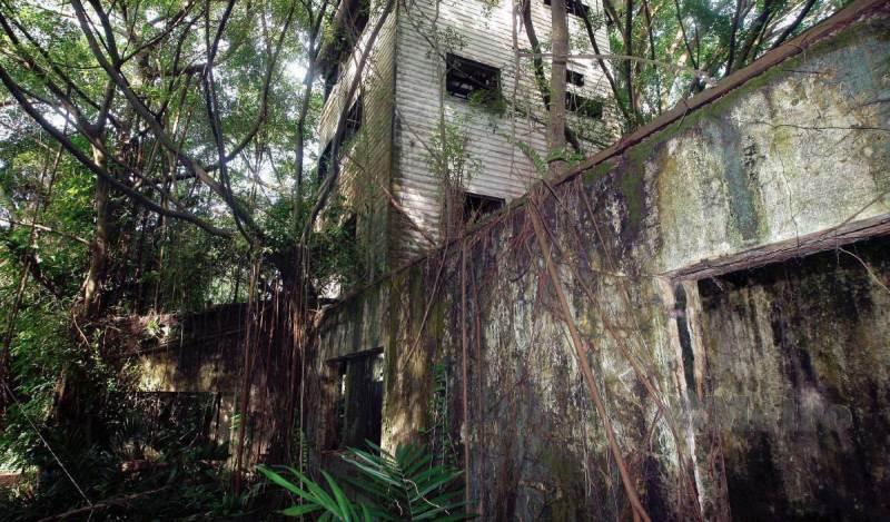 VILLA terbabit didakwa terdiri daripada tiga bangunan yang sudah usang berusia lebih 40 tahun sering dikaitkan dengan pelbagai kejadian mistik hingga menjadi tumpuan orang ramai termasuk luar negara khususnya pengkaji aktiviti paranormal. FOTO Arkib NSTP