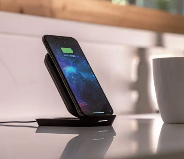 Morphie wireless charging stand