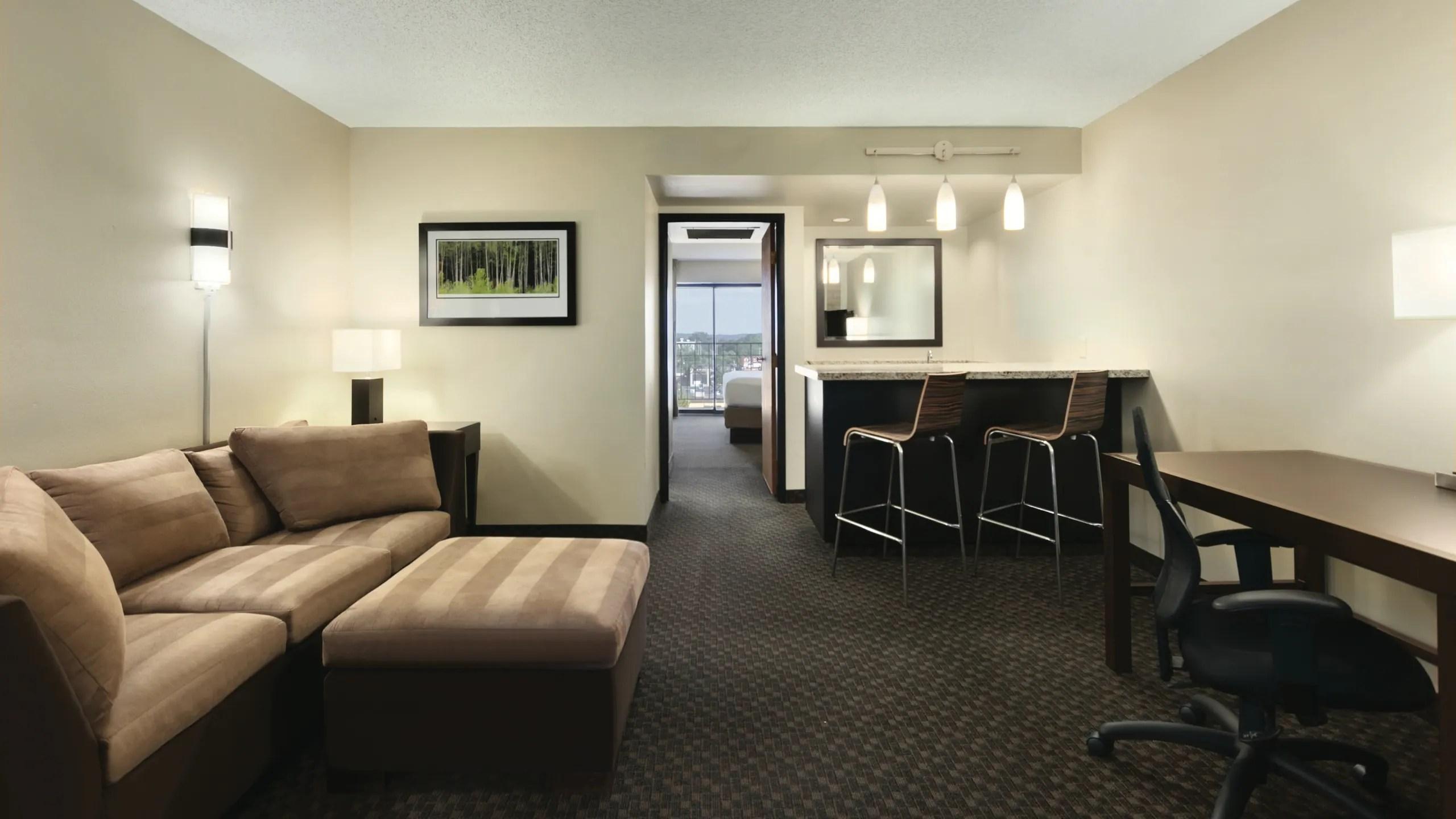 Here are five tips for choosing lighting for your living room. Upscale KI Convention Center Hotel   Hyatt Regency Green Bay